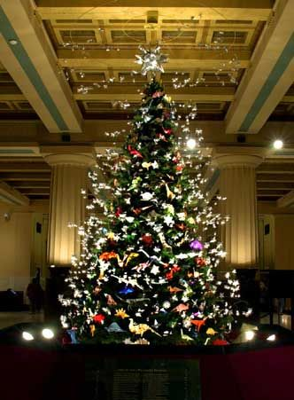 American Museum Of Natural History Origami Christmas Tree Origami Tree Nyc Christmas