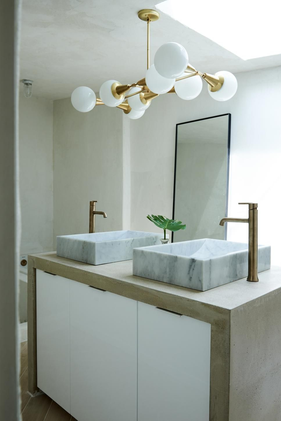 40 Bathroom Vanities You Ll Love For Every Style Hgtv In 2020