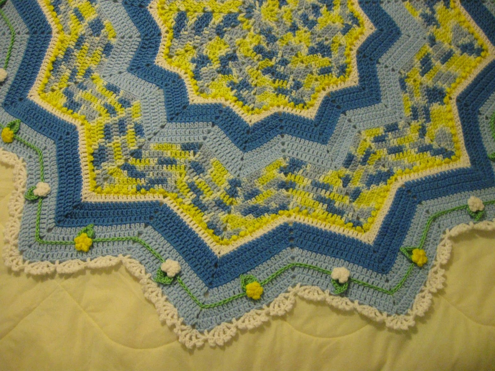 French Country round ripple afghan, free pattern plus a link to ...