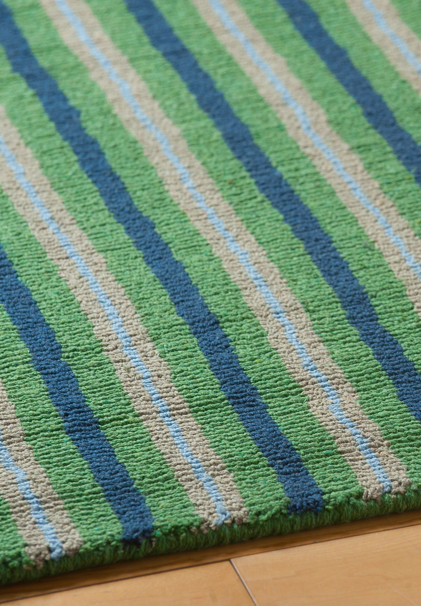This Bright And Ealing Loom Hooked Rug Will Bring Casual Comfort To Any Room Hand Woven Of Recycled Eco Cotton Using No Latex Chemicals Or Dyes