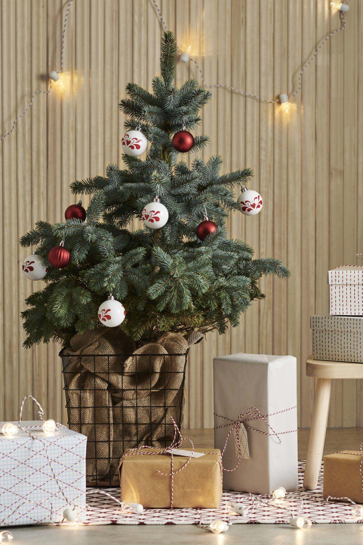 Des boules de Noël, IKEA | Ikea noël, Maison de noel, Decoration noel