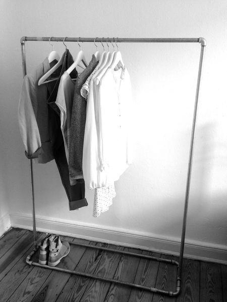 kleiderst nder rohr von creative auf retail presentation pinterest. Black Bedroom Furniture Sets. Home Design Ideas