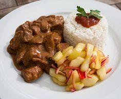 Duvelkesvlees - niet echt Indisch ook wel genoemd duiveltjesvlees. Een in Nederland ontwikkelt recept.