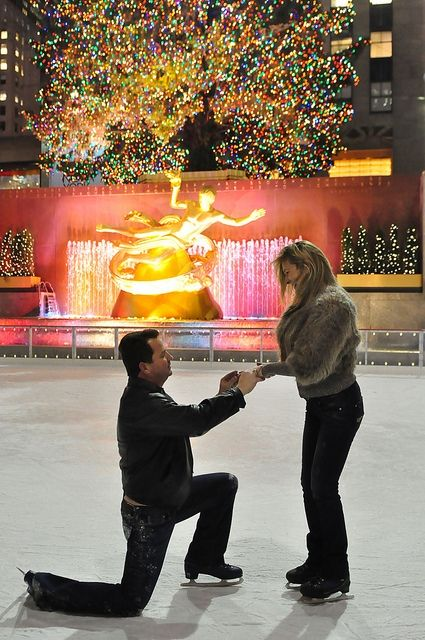 5 Tips for A Magical Holiday Proposal - Engagement 101   Christmas proposal,  Holiday proposals, Wedding proposals