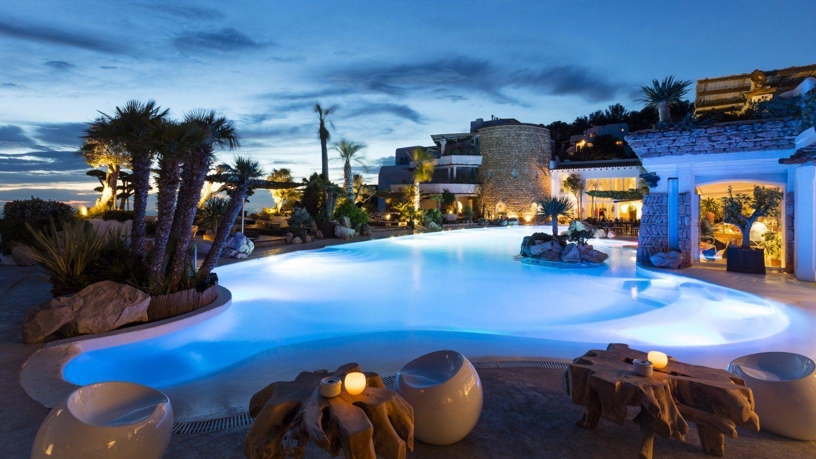 Piscina exterior ana xamena ibiza mis hoteles con encanto pinterest ibiza piscinas y - Hotel a pejo con piscina ...