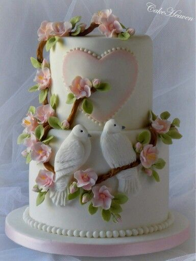 Lovebirds cake
