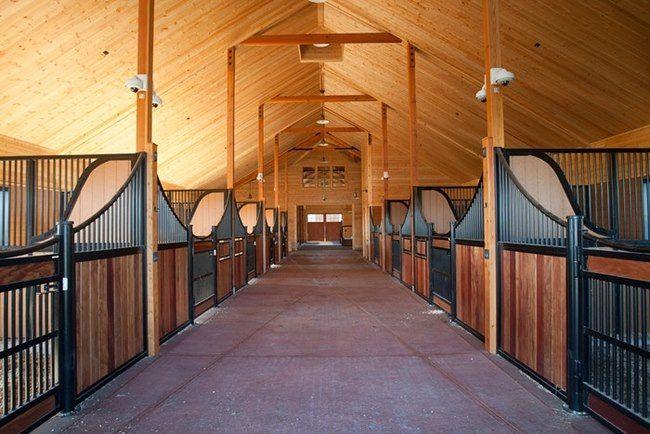 بناء اسطبل الخيول التصميم والسلامة والصحة Dream Horse Barns Horse Barns Unique Horse Barns