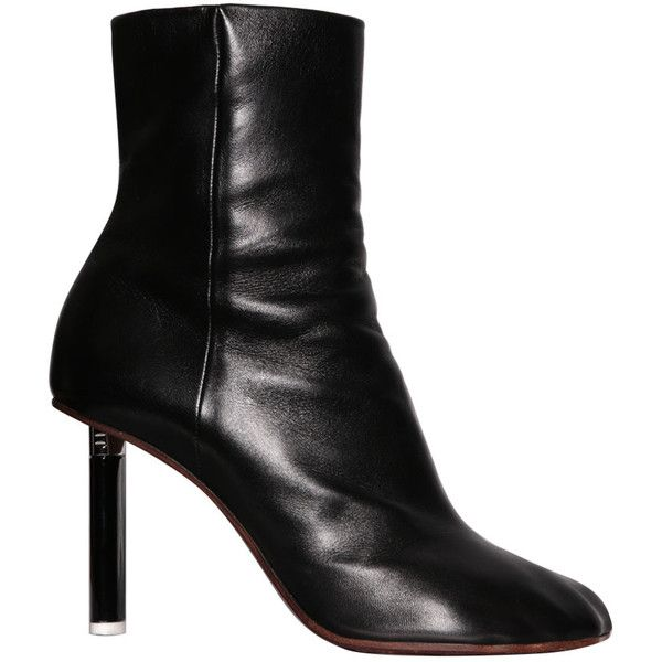 Vetements Black leather lighter heel ankle boots (5.005 NOK) ❤ liked on Polyvore featuring shoes, boots, ankle booties, nero, short black boots, leather ankle boots, black leather ankle booties, black ankle boots and summer booties
