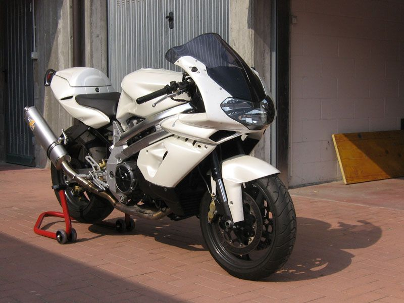 aprilia falco short lived sport bike with a little less edge than the rsv mille the engine was. Black Bedroom Furniture Sets. Home Design Ideas