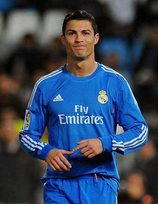 Pin By Cristian Jimenez On Real Madrid Fans Cristino Ronaldo Cristiano Ronaldo Ronaldo