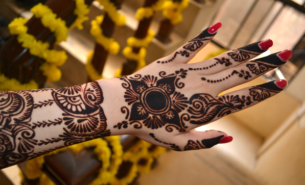 Latest Flower Mehndi Design : Glamorous rose flower mehndi designs sheideas
