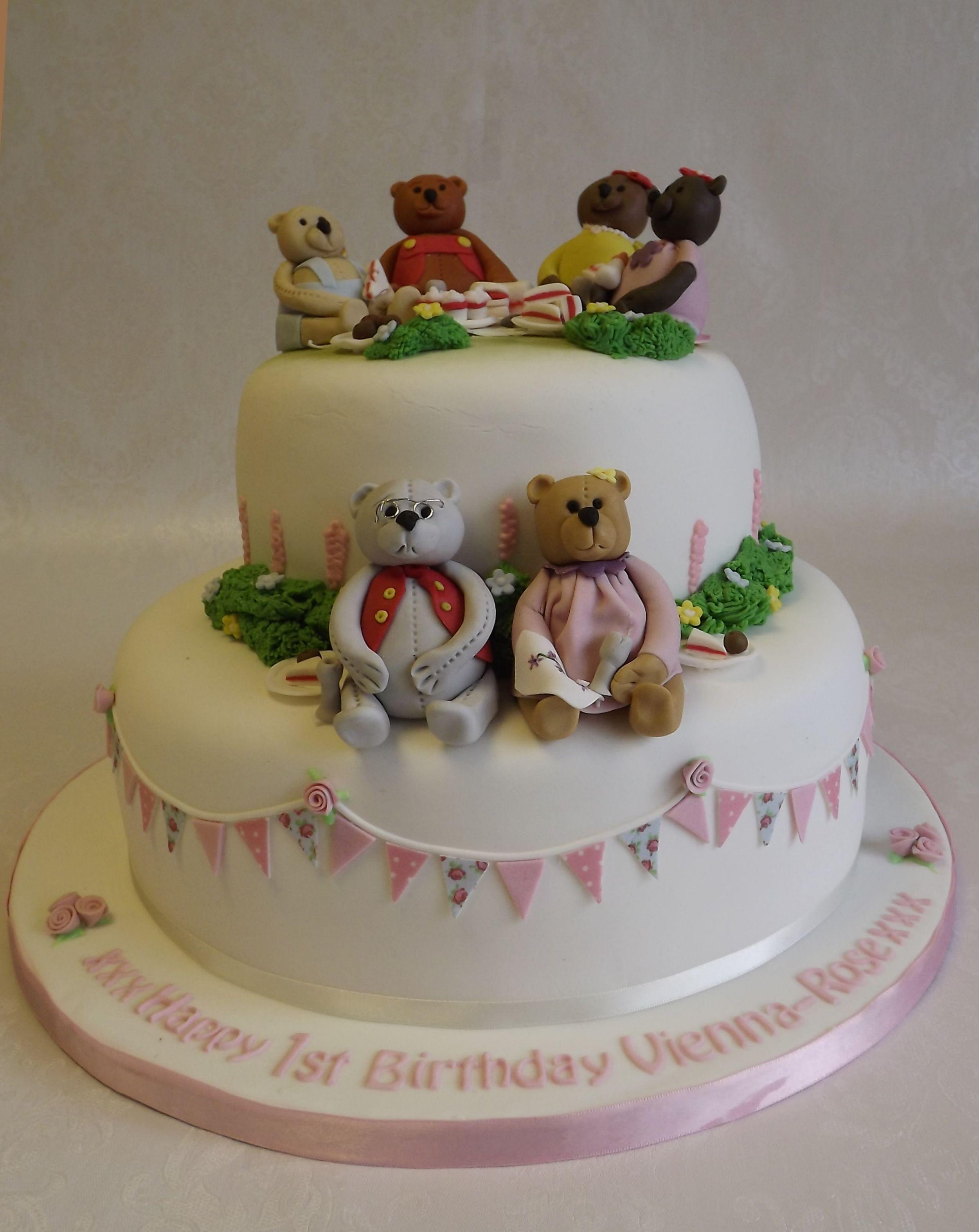 2 tier Teddy Bears Picnic cake for Vienna-Rose