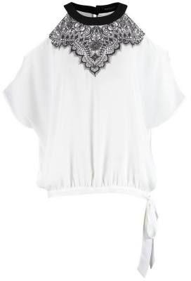 Morgan Bluson Blanc Noir El Estilo Es Libertad Los blusones de mujer son siempre una buena opción, pues dan lugar a looks rompedores que llenarán de encanto trendy todo tu armario.