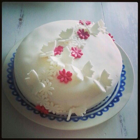 Lovely strawberry cake for mom ♥