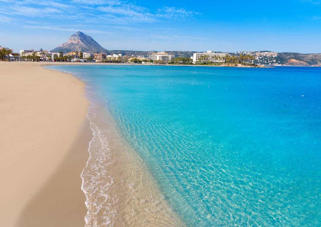 playa del arenal en Javea en la Costa blanca