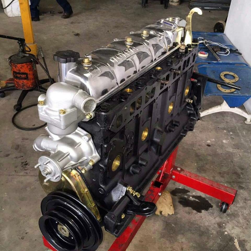 fj40 2f toyota land cruiser engine