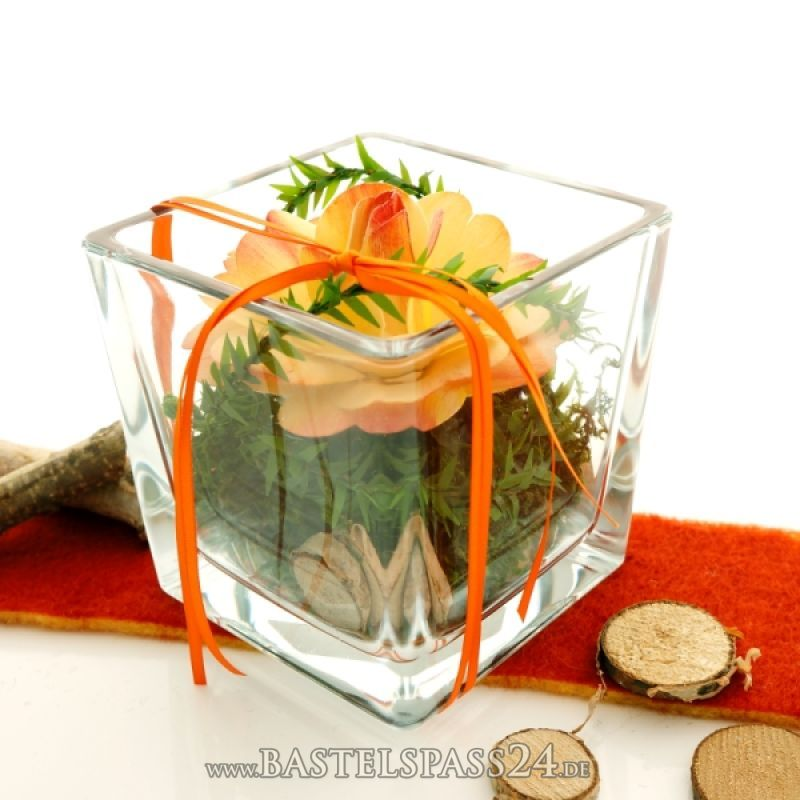 Tischdeko mit Glasvasen für Hochzeit und Feste! Floristik - deko gartenparty grun