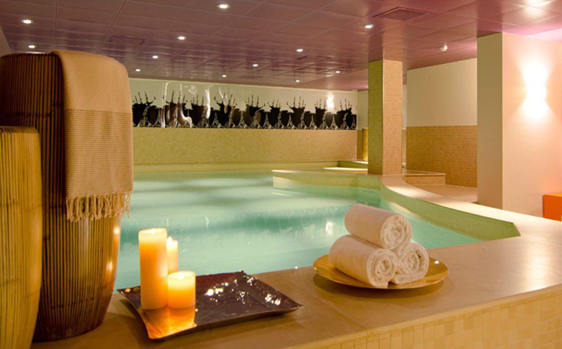 Washbasins Wallcoverings Coverings Spa Amsterdam Hotel