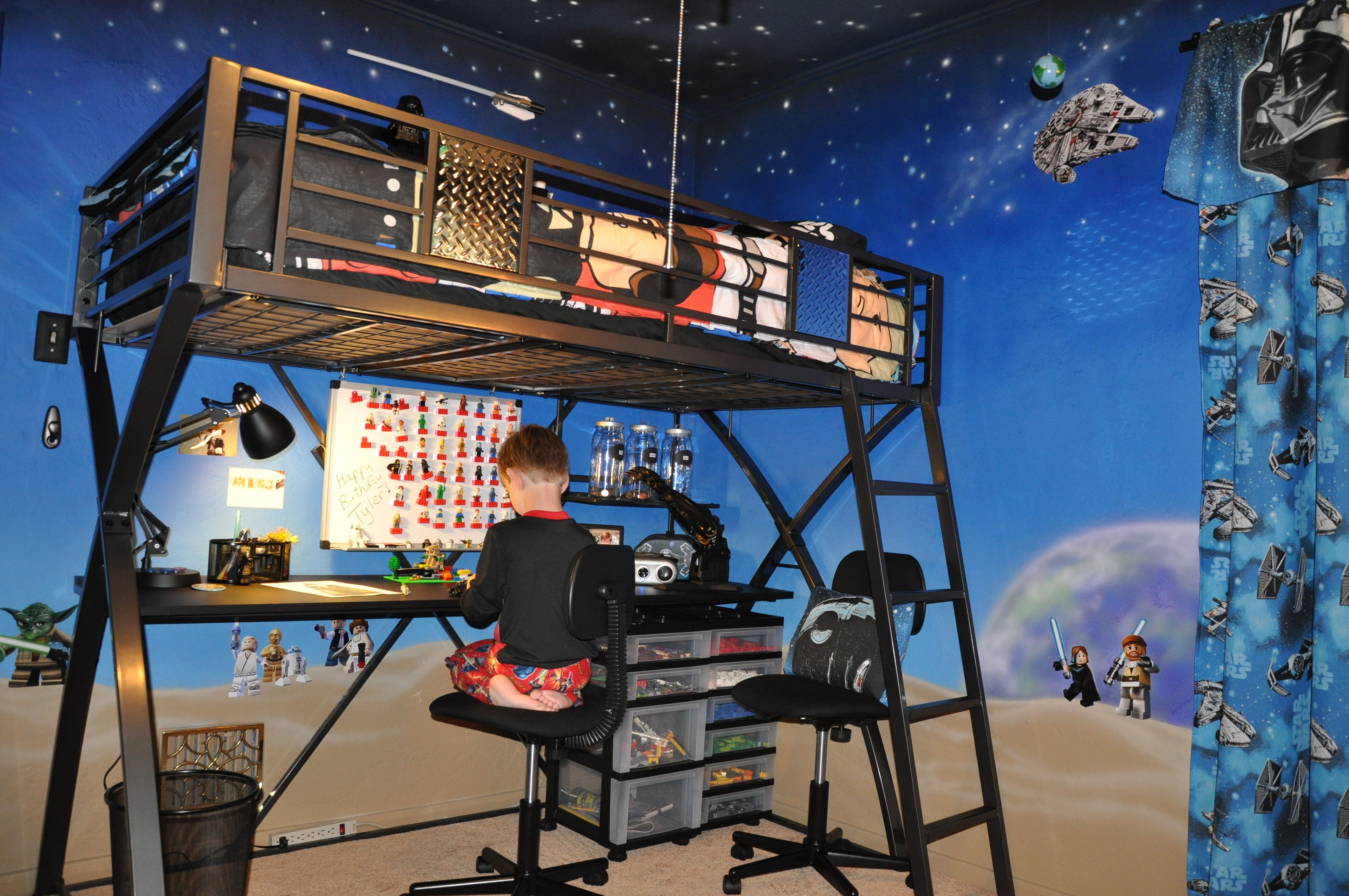 Room 2 Build Bedroom Kids Lego: Star Wars Room, Star