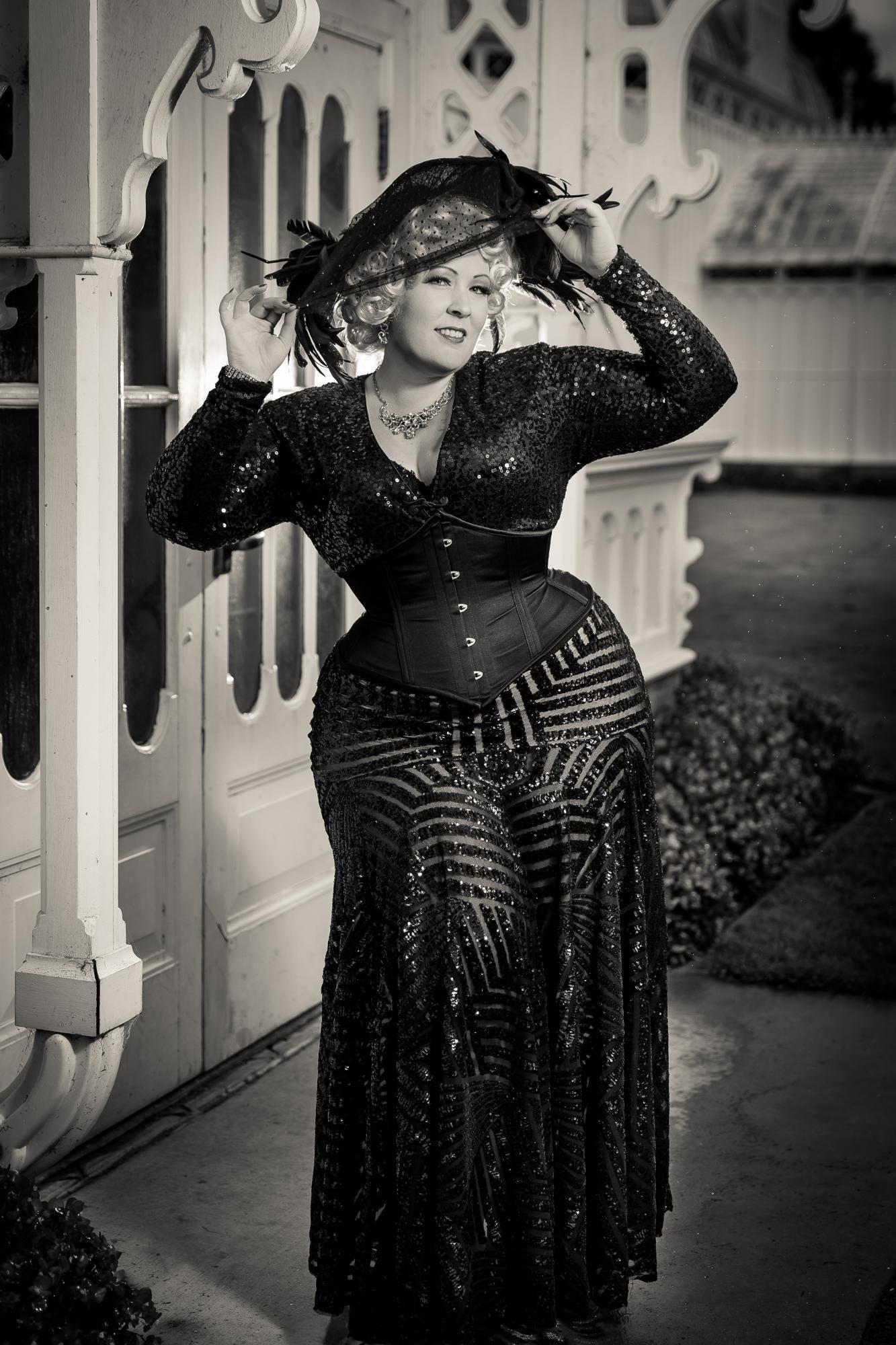 94c69b1053 Plus size dark Woman. Nicole Simone MODEL   PERFORMER