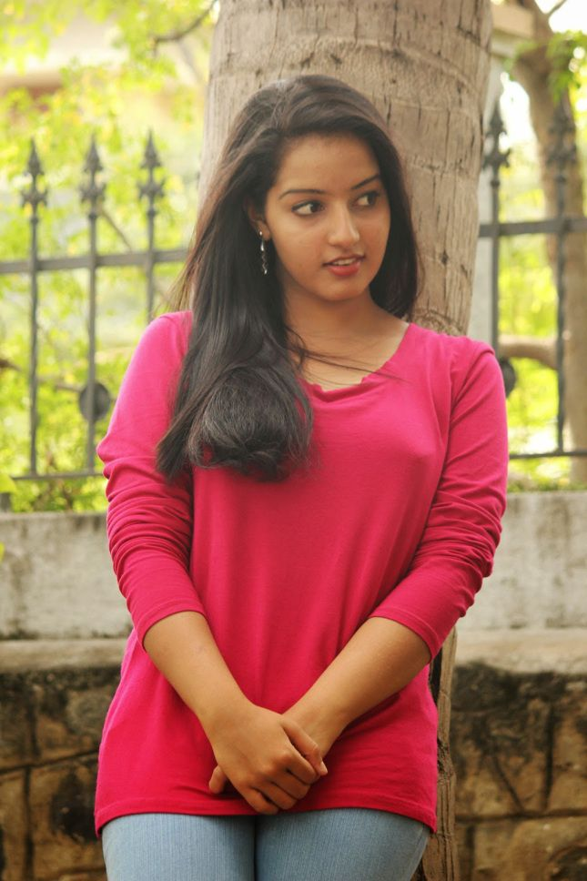 Hot Photos Of Mallu Girl Malavika Menon  Indian Hotac -5169