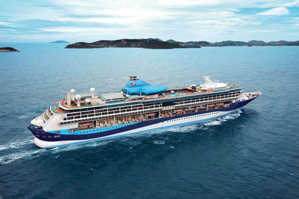 Thomson Are Buying A Royal Caribbean Ship Cruising Along - Buying a cruise ship