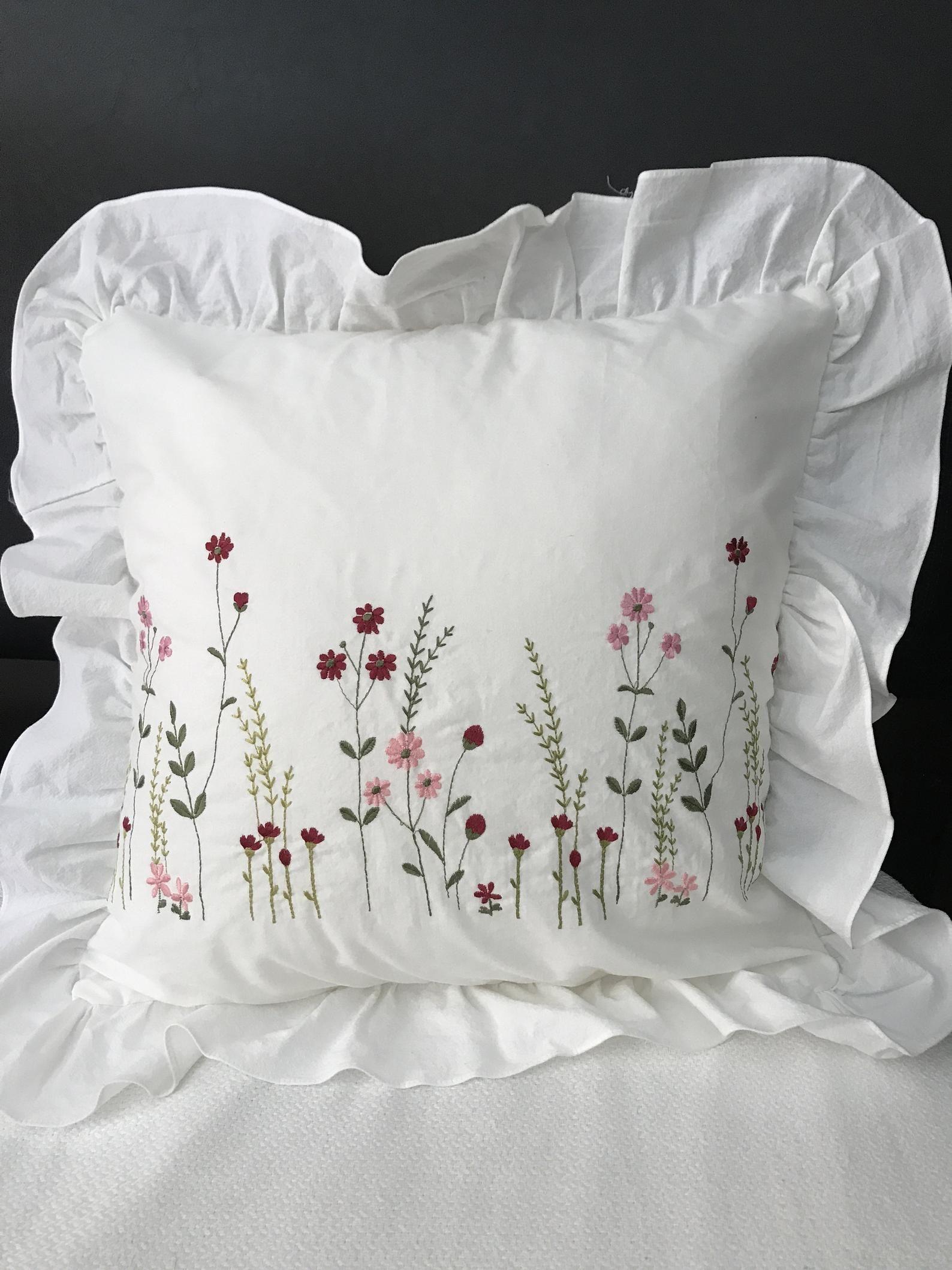 Gestickte Baumwolle Kissenbezug weiße Kissenkissen mit roten und rosa Blume; Hochzeit, Geburtstag, Ostern, Jubiläum, Housewarminggeschenk