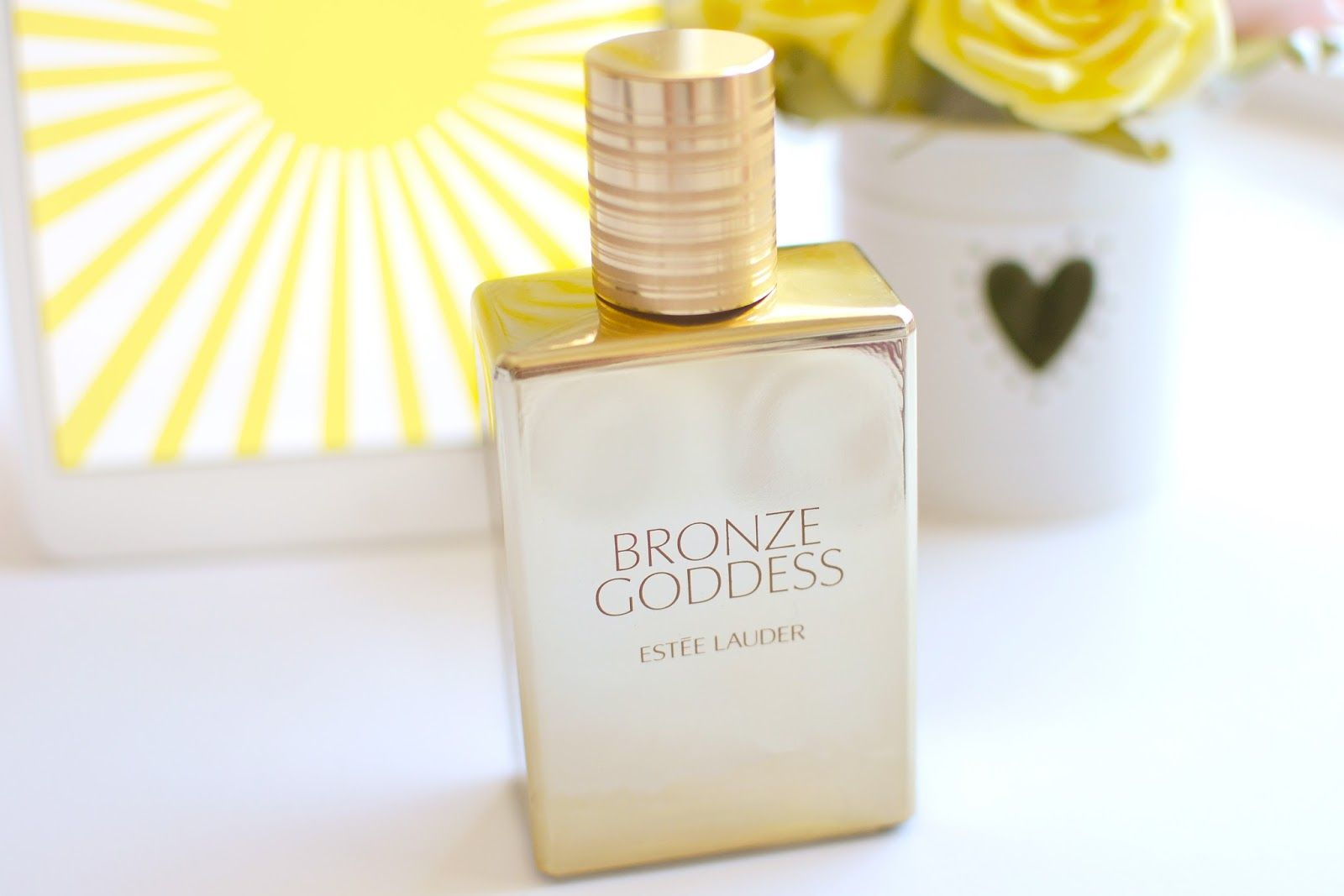 #EsteeLauder bronzed goddess skinscent review  #beautyblog #summer #coconuts #bronzegoddess