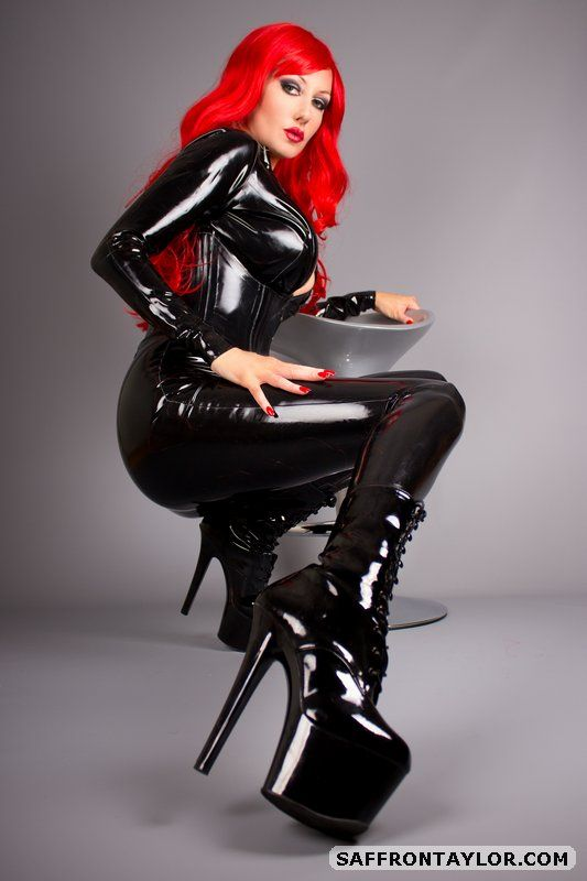 Free Latex Pictures - Fiery Redhead In Latex  Milf-7722
