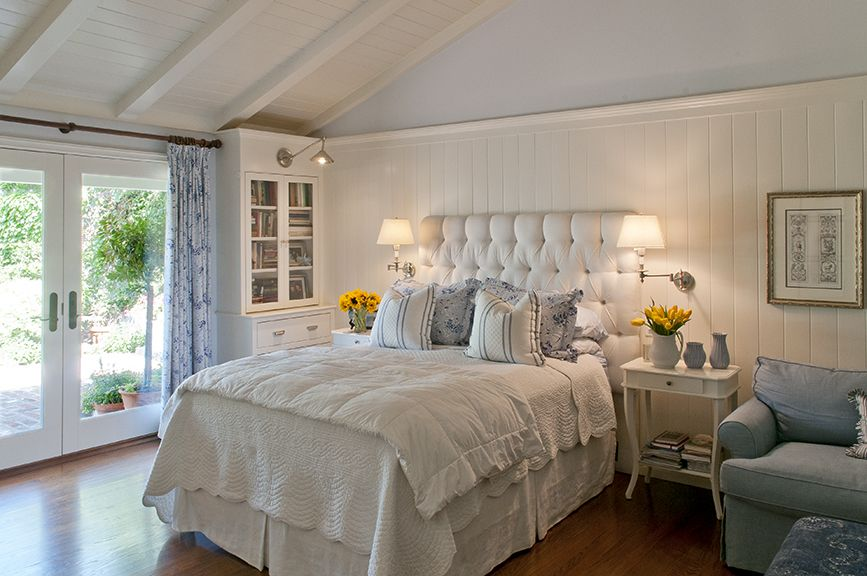 Country Chic Bedroom Decorating Ideas: Master Bedroom- Clean Blue & White English Country Style