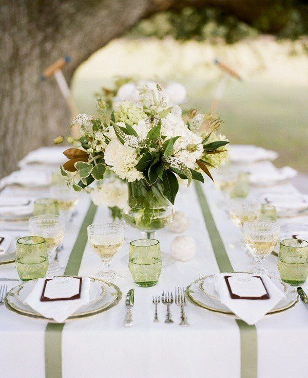White Green Themed Wedding Table Setting Tablecloth Runner Fl Centerpieces
