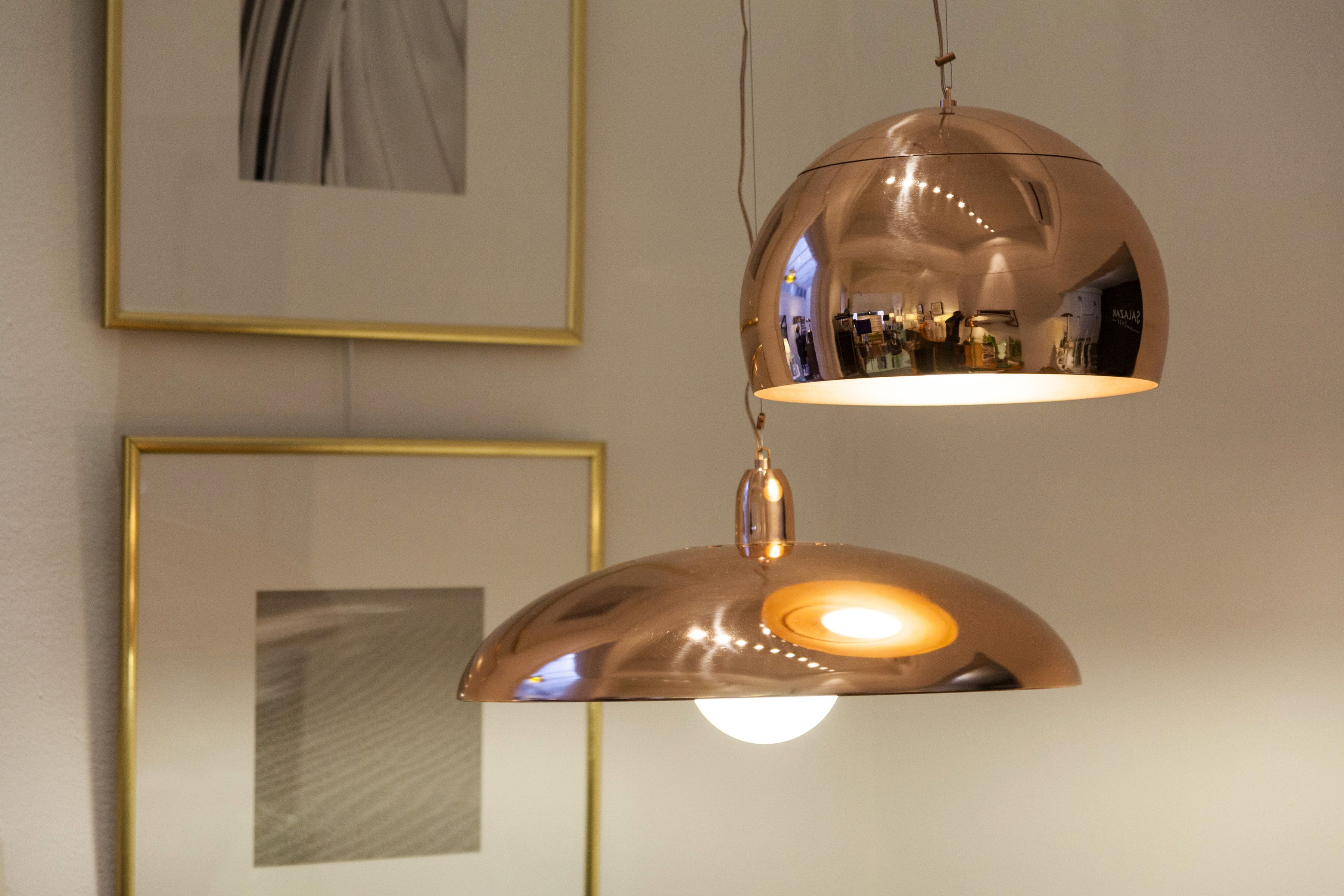 lamparas cobre brillante, cuadros marco dorado http://salazarcasa ...