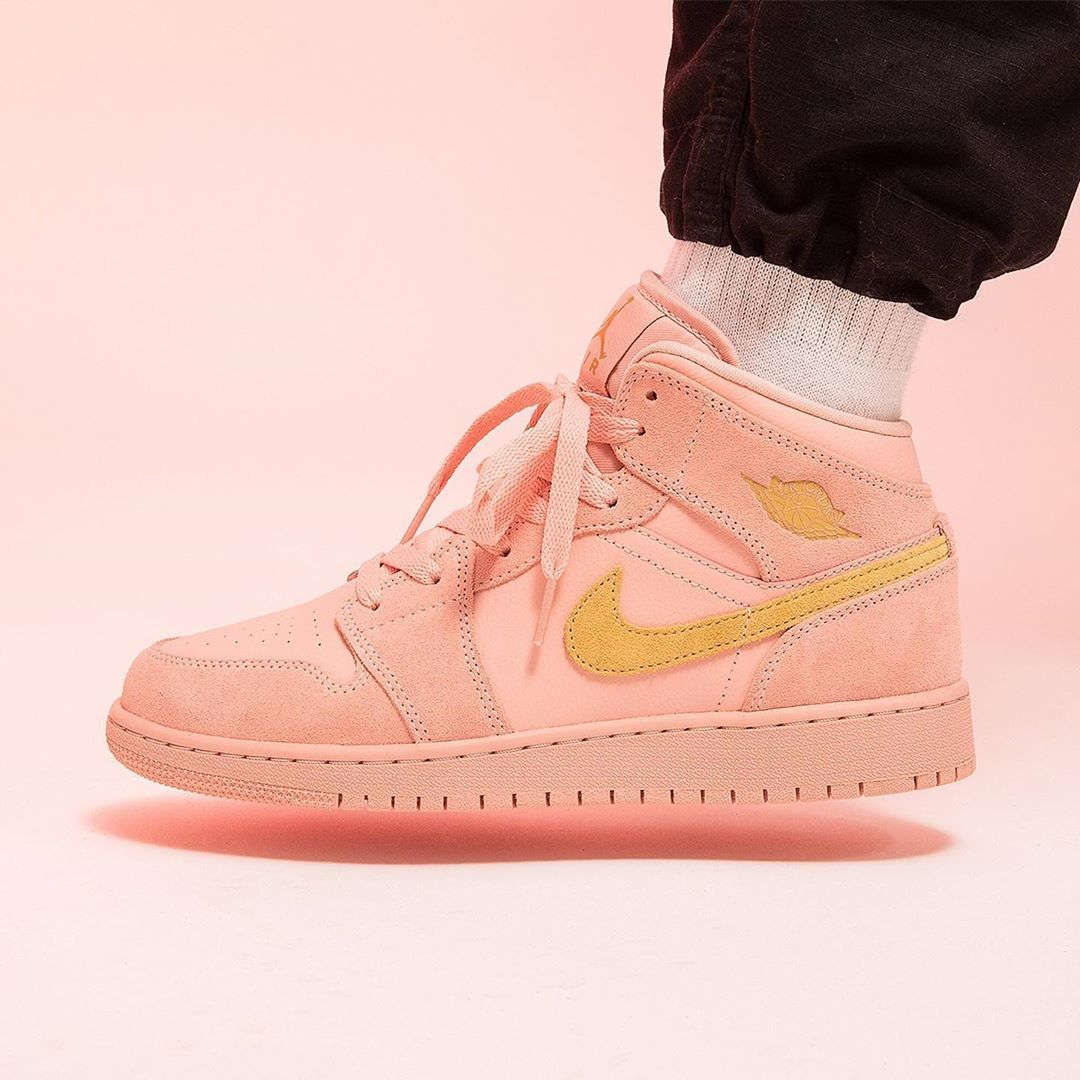 """HYPEBAE on Instagram """"nike releases a new cotton candy"""