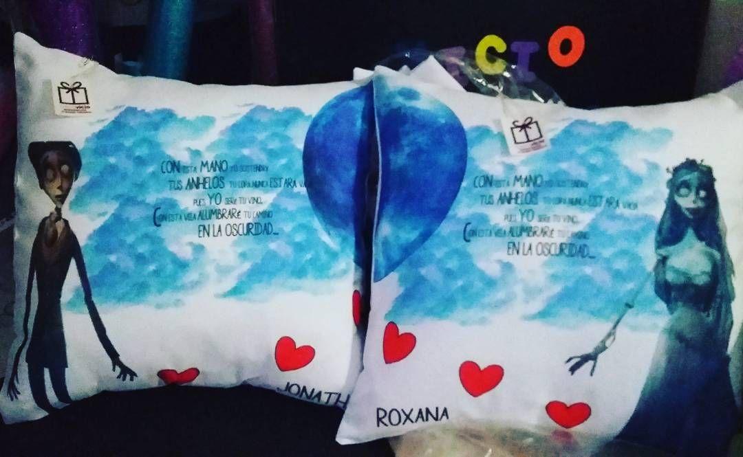 El amor siempre presente en todos nuestros regalos! Par de cojines con el diseño que tu quieras  elige el mejor Vicio #decovicio
