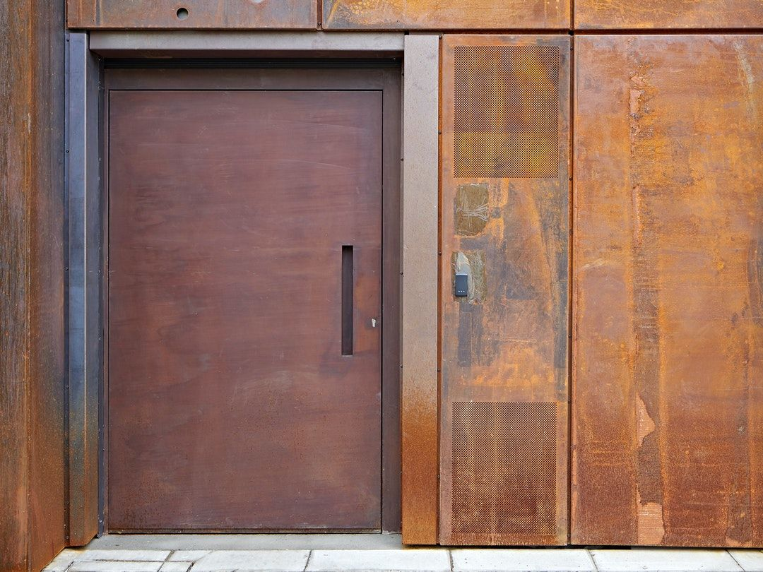 Steel front doors – Metal door
