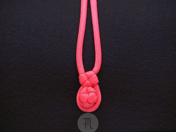 pochette case  black felt and pink paracord by FMLdesign on Etsy, €37.00