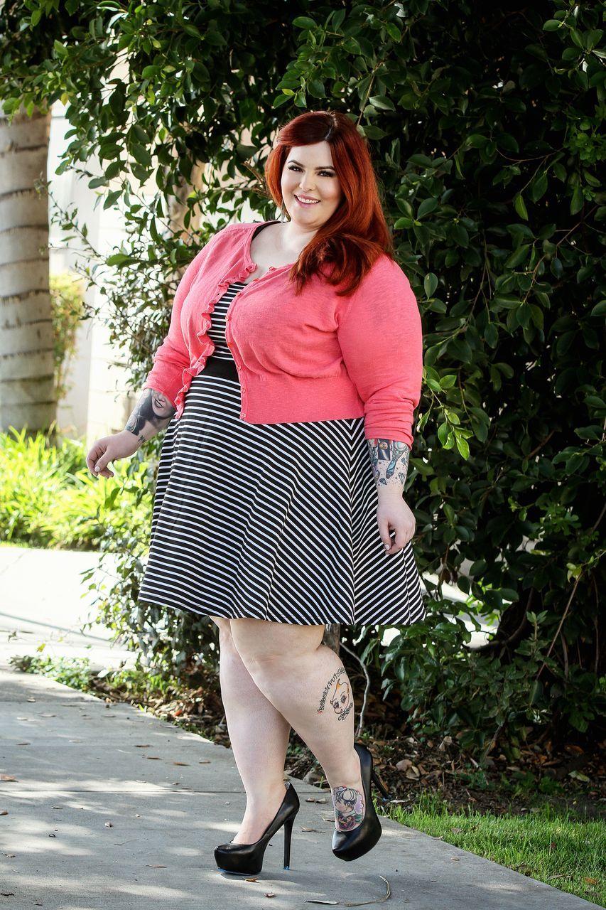 Очень коротком толстожопые жены фото женских