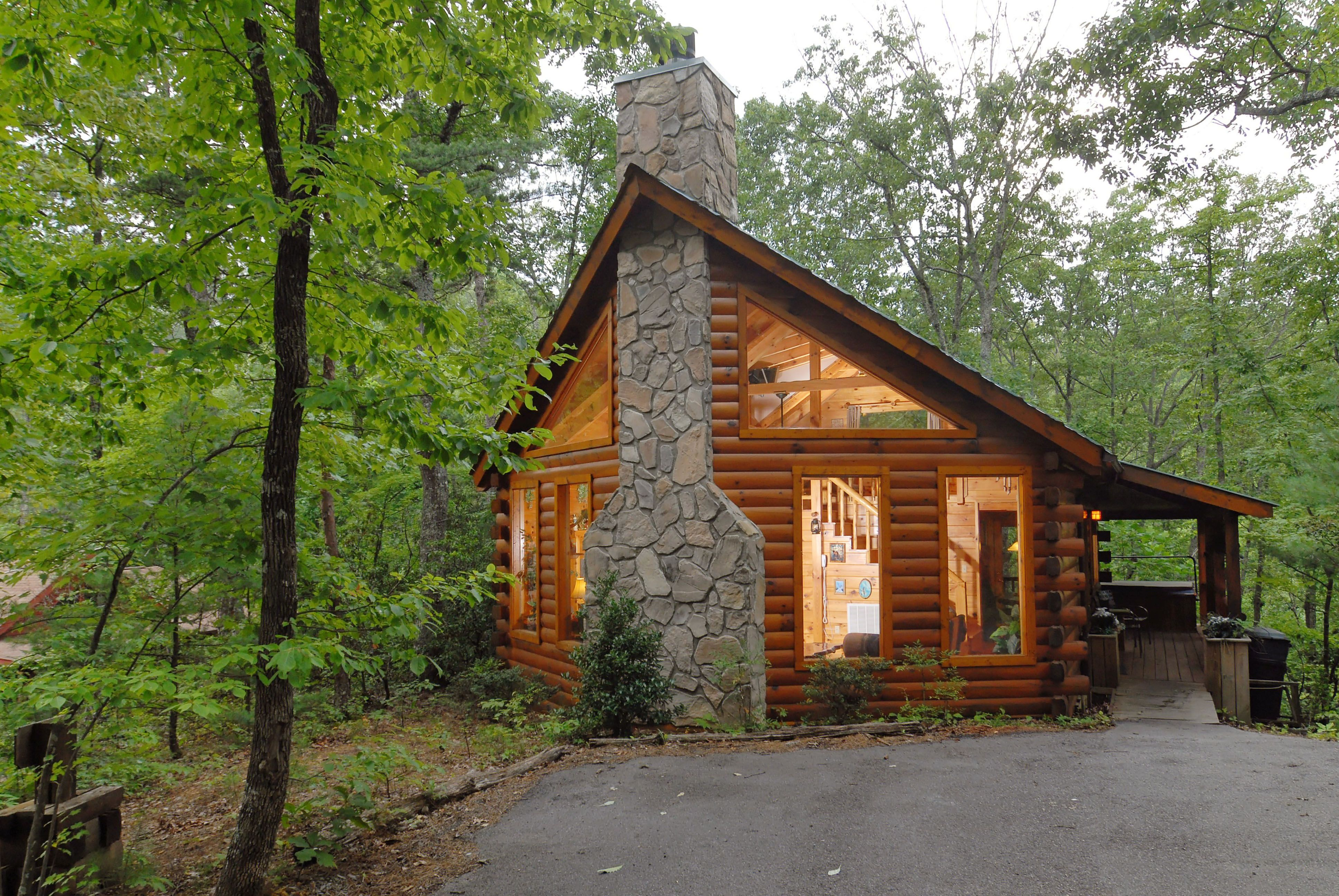 Romantic Cabins In The Woods Afternoon Delight Is A Newer Log Cabin Nestled Deep In The Woods With Images Secluded Cabin Gatlinburg Cabins Gatlinburg Cabin Rentals