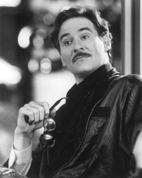 Photo of Kevin Kline as actor Jeffrey Randall after a stage performance in Soapdish (1991 …