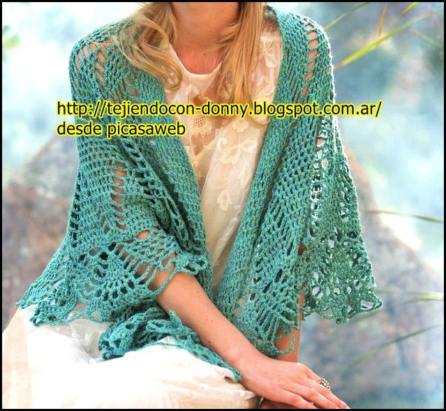 Hermoso chal tejido a crochet en color verde agua muy - Toca de ganchillo ...