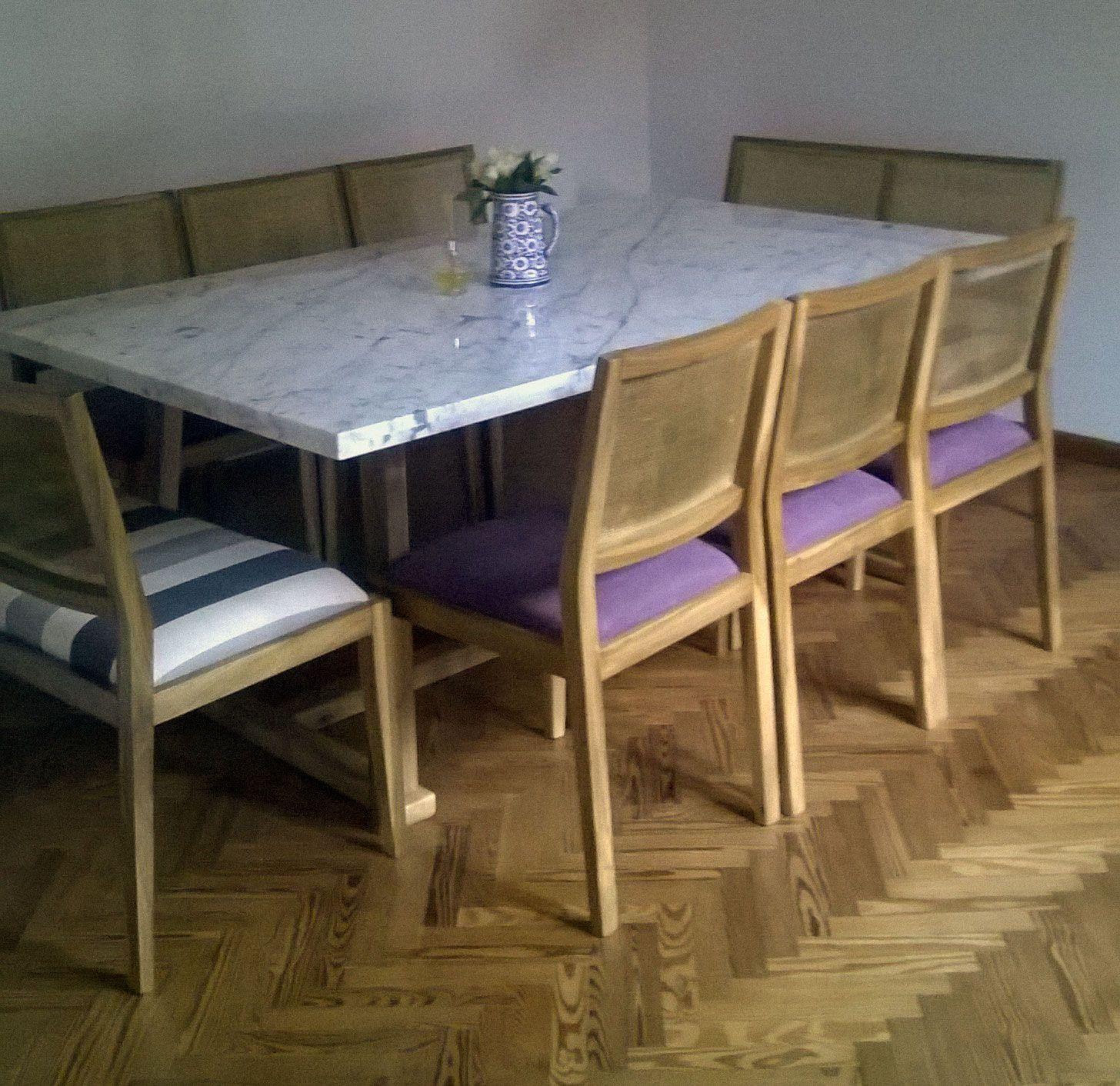 Mesa de comedor madera petiribi y m rmol de carrara sillas for Mesas de marmol para comedor