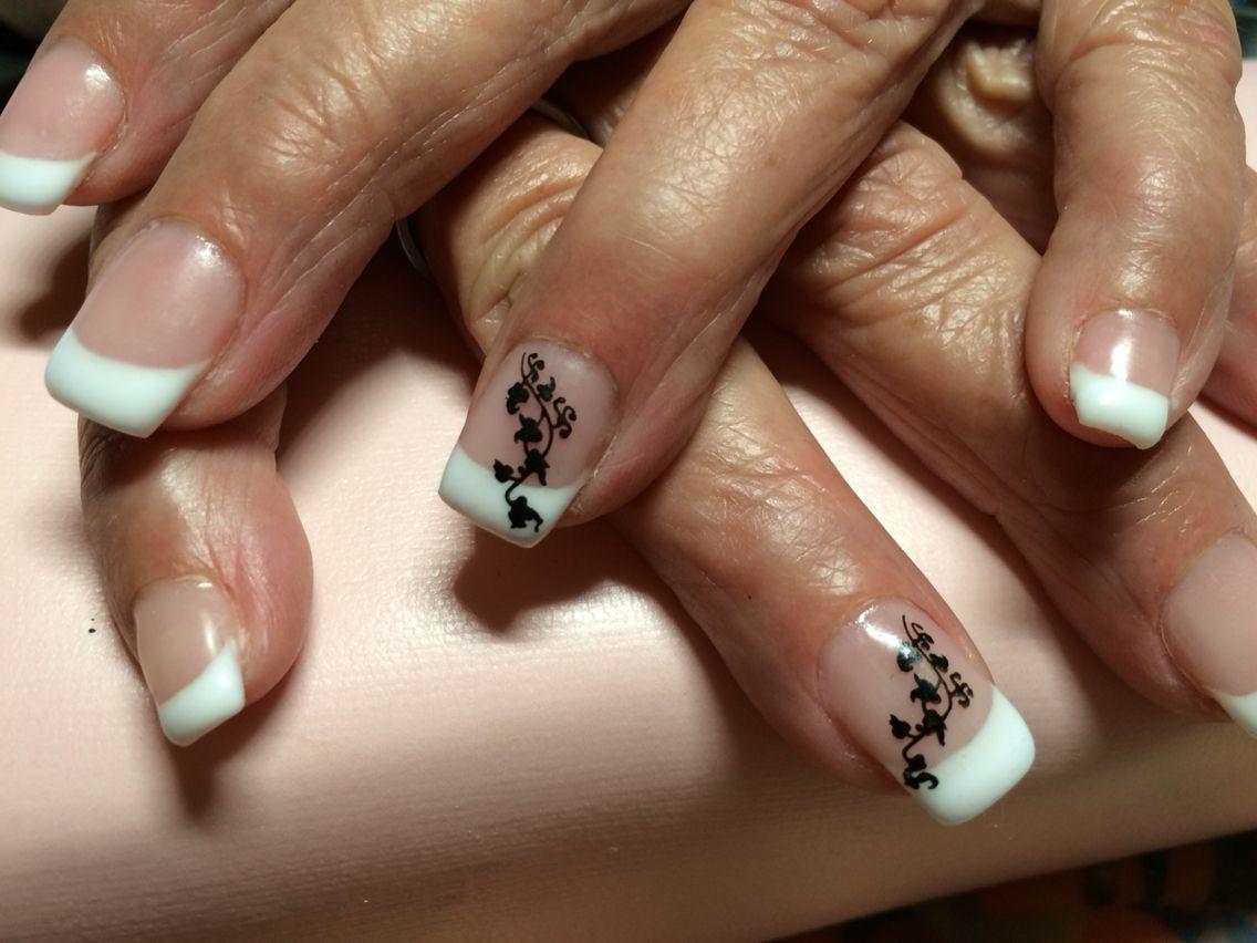 French Nails mit Stamping.   Gelnägel :)   Pinterest   Gelnägel