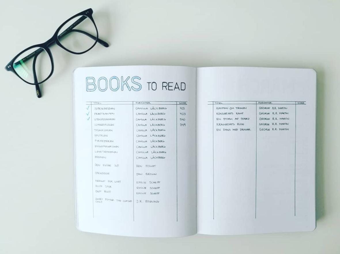 Books To Read Book Tracker In Minimalist Bullet Journal Bullet Journal Books Books To Read Bullet Journal Bullet Journal Bookshelf