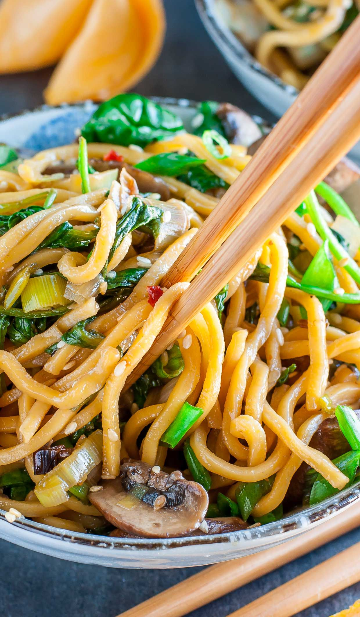 Vegan Noodle Bowls With Spinach And Mushrooms Peas And Crayons Recipe Spinach Stuffed Mushrooms Vegan Noodles Stuffed Mushrooms