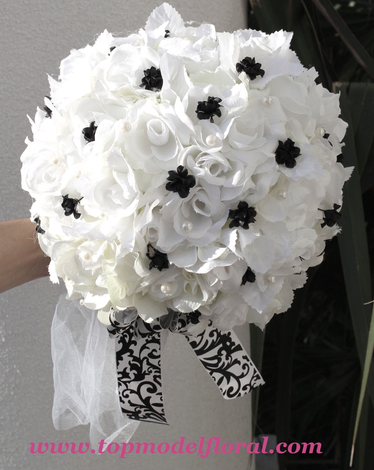 Black And White Flower Centerpieces