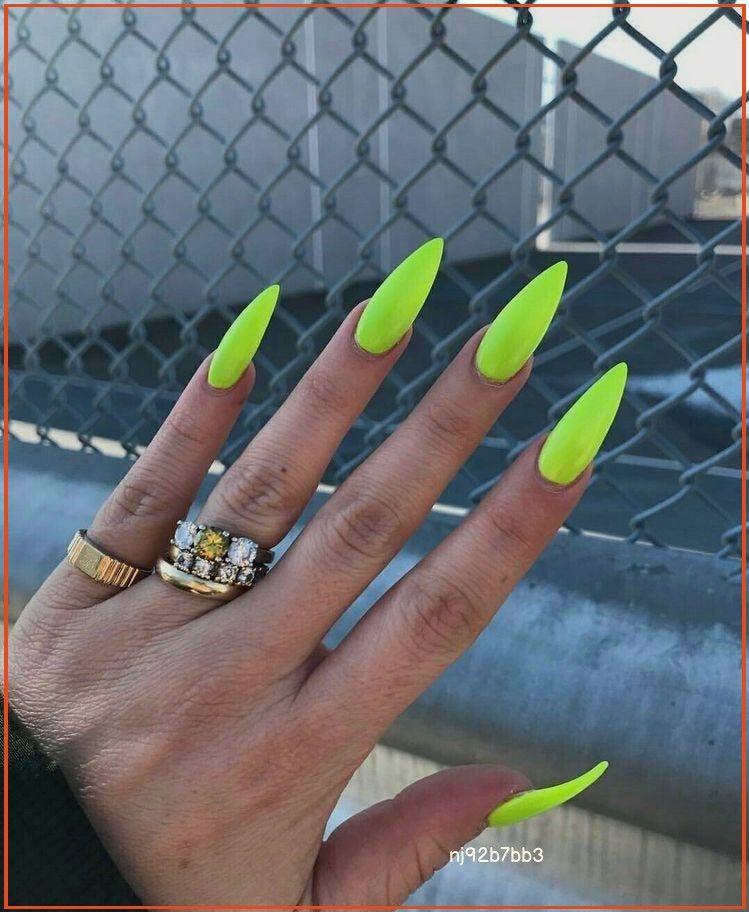 Neon Green Stiletto False Nail Set Press On Nails False Nails Design Fake Nails Acrylic Nail En 2020 Unas Postizas De Gel Unas De Gel Bonitas Manicura De Unas