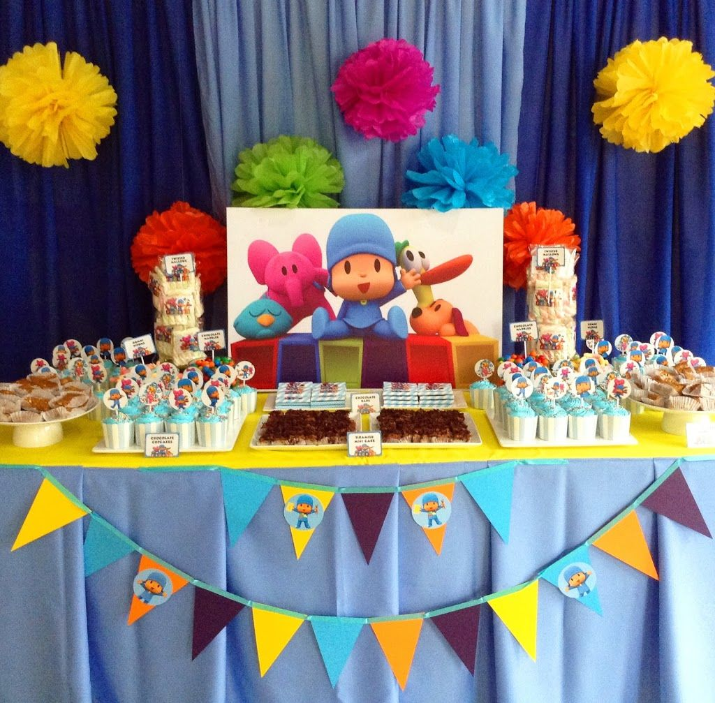 Nate axle 39 s pocoyo themed 1st birthday party venue grand for Decoracion de frutas para fiestas infantiles