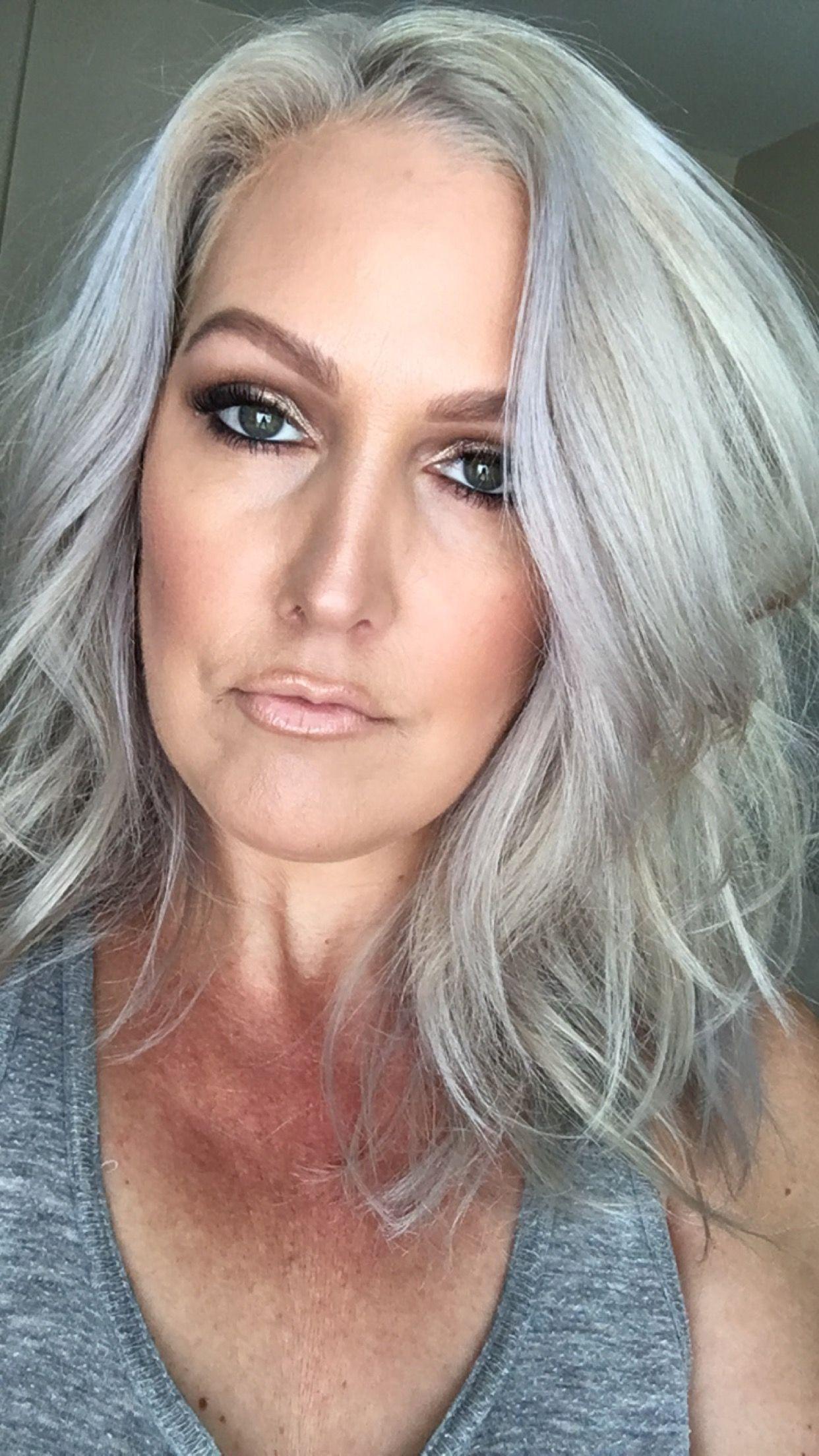 Silver hair Silver hair, Silver haired beauties, Grey