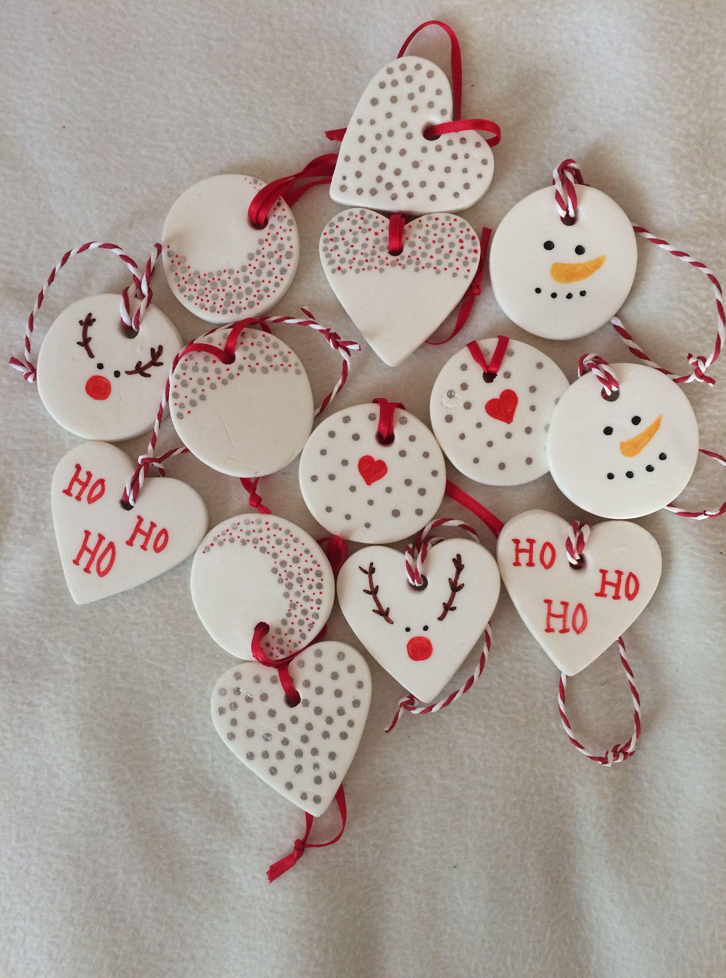 Decorations In Modeling Clay Weihnachtsgeschenkeselbermachen Baking Soda Christmas Clay Homemade Christmas Decorations Diy Christmas Ornaments