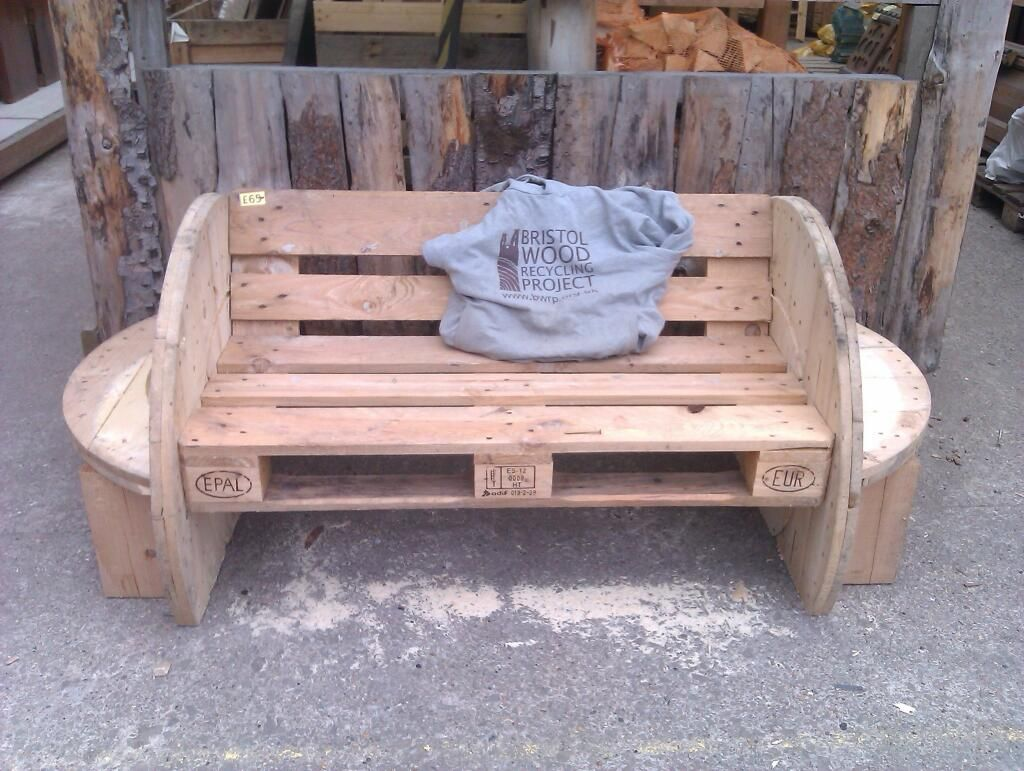 Amazing bench from bristol wood recycling project i want for Amazing recycling projects